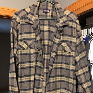 Men's XL Patagonia Long sleeve flannel shirt.